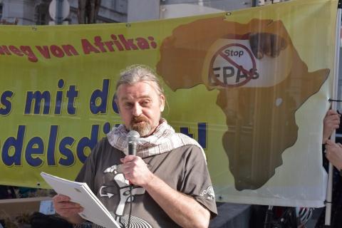Jürgen Linder, internationale Friedensbewegung