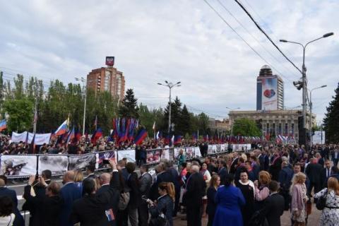 Putins Versprechen: russische Pässe