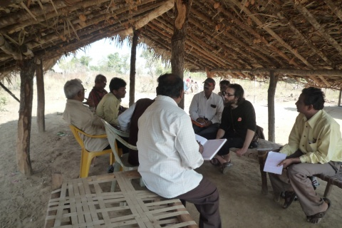 An Italian member of Sumud participating in the enquiry's evaluation.