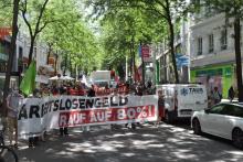 Demo: Niemanden zurücklassen - Arbeitslosengeld erhöhen